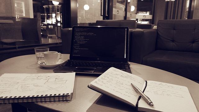 notebook-886532_640