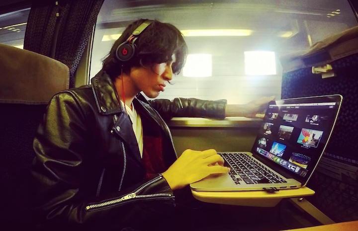 MacBook 旅 仕事