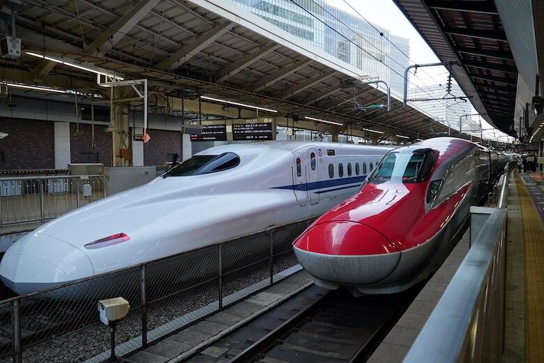 新幹線のファーストクラスこと「グランクラス」体験ブログ。料金、予約、乗り心地、食事、サービスについて。